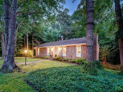 Suffolk Single Family Home For Sale: 1505 W Arbor Arch