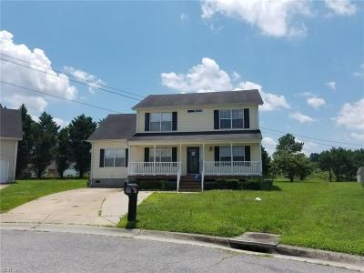 Suffolk Single Family Home New Listing: 819 Walnut Park Dr