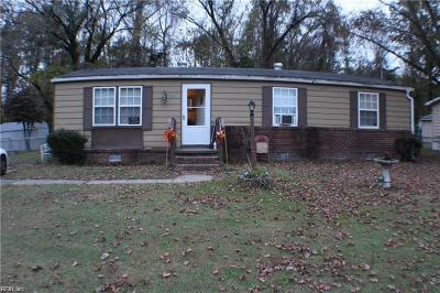 Suffolk Single Family Home New Listing: 537 Chisholm Ln