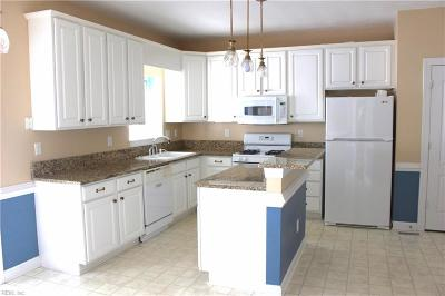 Chesapeake Single Family Home New Listing: 828 Saint Kitts Way