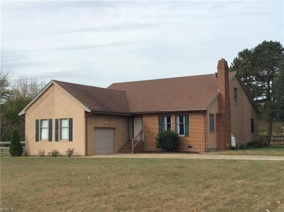 Suffolk Single Family Home New Listing: 3676 Labrador Ln
