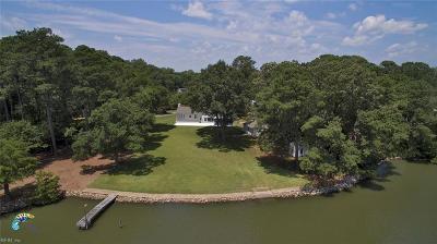 Hampton Single Family Home New Listing: 61 Eastmoreland Dr