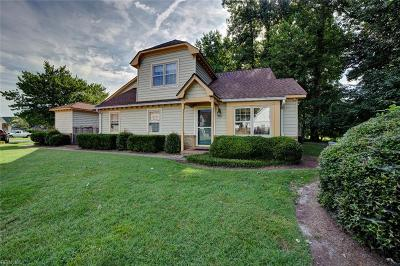 Chesapeake Single Family Home New Listing: 1309 Quail Creek Holw #C