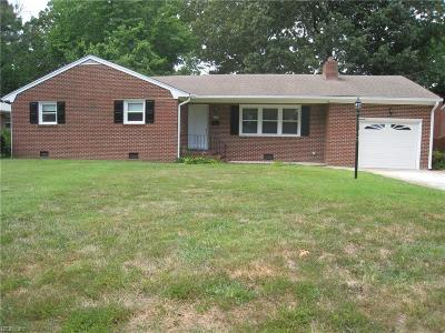 Newport News Single Family Home New Listing: 105 Wendfield Cir