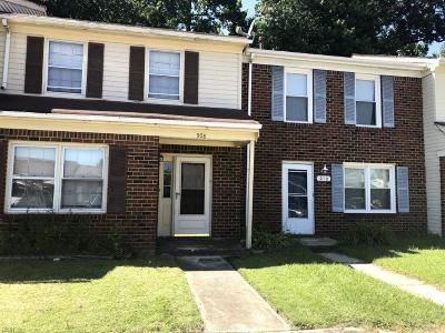 Chesapeake Single Family Home New Listing: 908 Wickford Dr