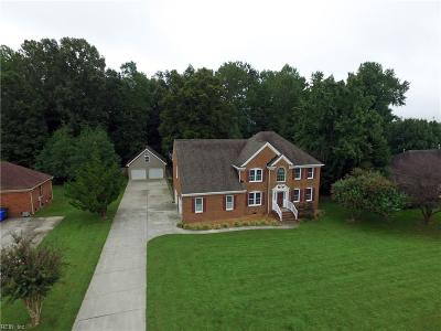 Suffolk Single Family Home For Sale: 129 Kings Point Dr