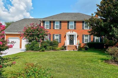 Virginia Beach Single Family Home For Sale: 4204 Mercedes Ct