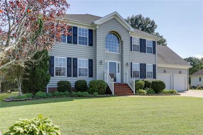 Suffolk Single Family Home For Sale: 126 Whimbrel Dr