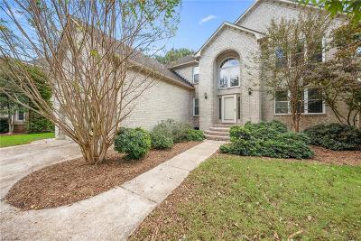 Virginia Beach Single Family Home For Sale: 1805 Pine Neck Ct