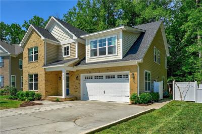 Suffolk Single Family Home For Sale: 2724 River Watch Dr