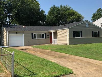 Hampton Single Family Home New Listing: 218 Deerfield Blvd
