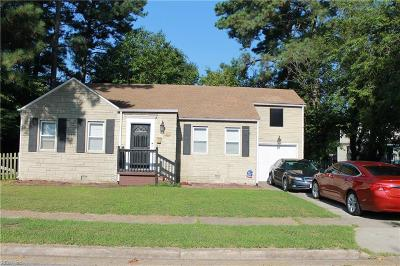 Norfolk Single Family Home New Listing: 117 Haven Dr