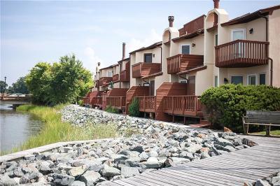Hampton Single Family Home For Sale: 63 Waters Edge Cir