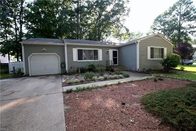 Hampton Single Family Home New Listing: 325 Deaton Dr