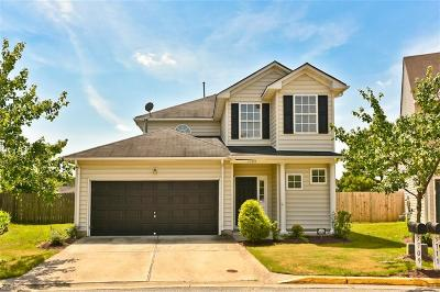Single Family Home For Sale: 3709 Bay Cres