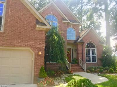 Chesapeake Single Family Home For Sale: 613 River Strand