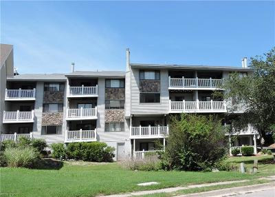 Virginia Beach Single Family Home New Listing: 3200 Lynnhaven Dr #104