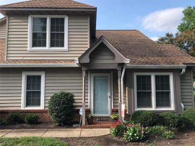 Chesapeake Single Family Home New Listing: 1317 Quail Creek Holw #C