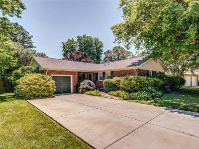 Virginia Beach Single Family Home New Listing: 712 Nottingham Dr