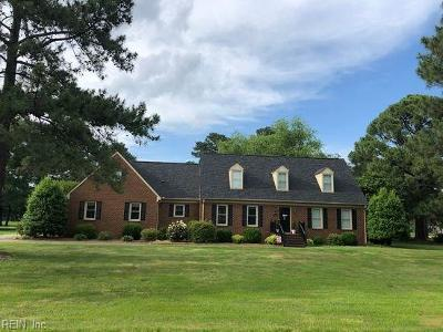 Suffolk Single Family Home For Sale: 8020 Clubhouse Dr