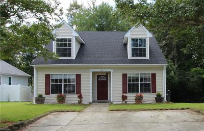 Suffolk Single Family Home For Sale: 106 Toddsbury Ct