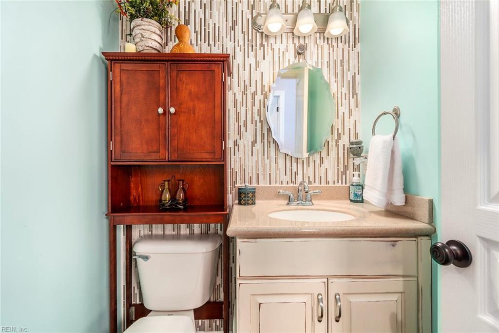 Listing: 621 Indian Creek Rd, Chesapeake, VA.| MLS# 10215085 | Gallery Of  Homes | 757 313 0444 | Hampton Roads VA Homes For Sale