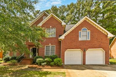 Chesapeake Single Family Home For Sale: 1008 Vineyard Ct