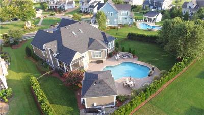 Suffolk Single Family Home For Sale: 3227 Shelter Cove Ct