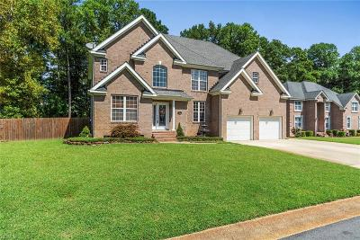 Suffolk Single Family Home For Sale: 121 Winterview Dr