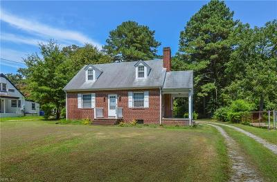 Suffolk Single Family Home For Sale: 1208 Holland Rd