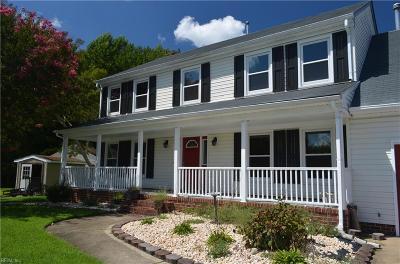 Chesapeake Single Family Home For Sale: 902 Trafalgar Ct