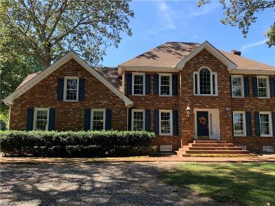 Chesapeake Single Family Home For Sale: 3400 W Landing Dr