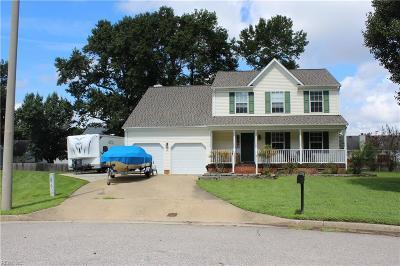 Chesapeake Single Family Home New Listing: 708 Sand Drift Ct