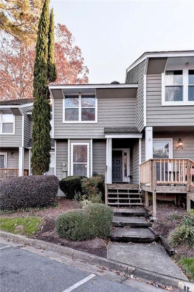 Virginia Beach VA Single Family Home For Sale: $219,000