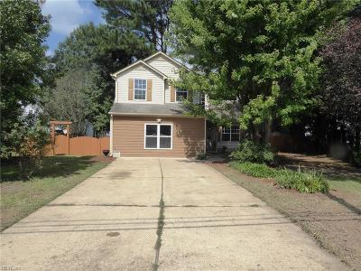 Newport News Single Family Home New Listing: 505 Deep Creek Rd