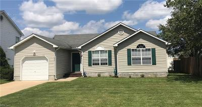 Suffolk Single Family Home New Listing: 802 Walnut Park Dr