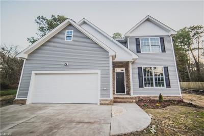 Newport News Single Family Home New Listing: 25 Cathy Dr