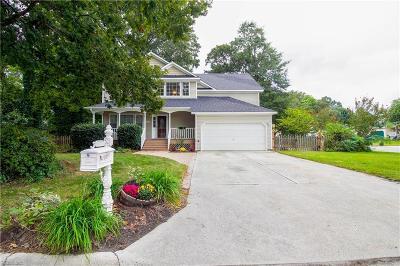 Chesapeake Single Family Home New Listing: 208 Deerwood Ct