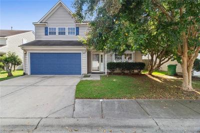 Suffolk Single Family Home New Listing: 404 Stonegate Way