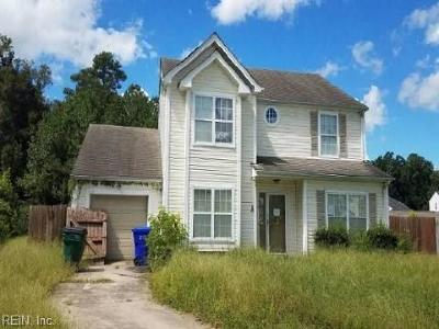 Suffolk Single Family Home New Listing: 132 Dana Dr