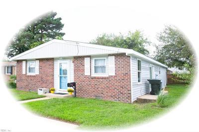 Hampton Single Family Home New Listing: 12 Somerset Ln
