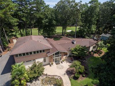 Virginia Beach Single Family Home For Sale: 920 Cardinal Rd
