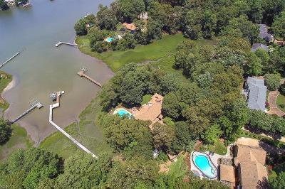 Virginia Beach Single Family Home For Sale: 809 Coverdale Ln
