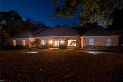 Virginia Beach Single Family Home For Sale: 881 Winwood Dr