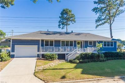 Virginia Beach Single Family Home For Sale: 2605 Moss Rd