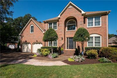 Virginia Beach Single Family Home For Sale: 424 Bay Colony Dr