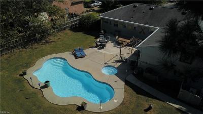 Virginia Beach Single Family Home For Sale: 2216 N Lakeside Dr