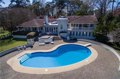 Virginia Beach Single Family Home For Sale: 896 Winwood Dr