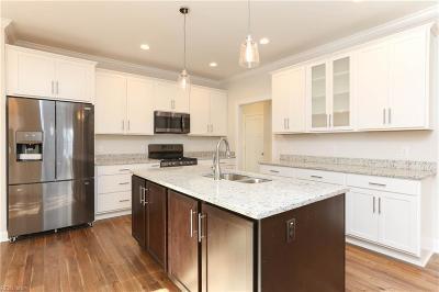 Virginia Beach Single Family Home For Sale: 4809 Lake Bradford Ln