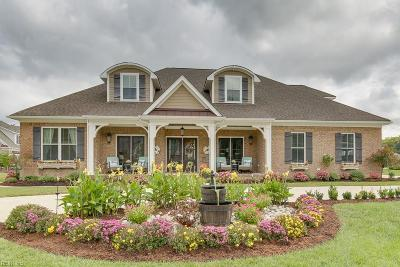 Chesapeake Single Family Home For Sale: 320 Cawdor Xing